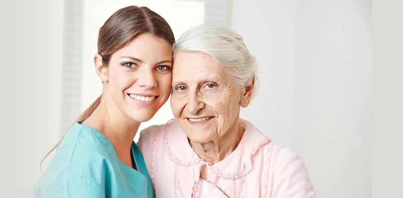 Idoso em Casa: Veja como Escolher o Melhor Cuidador para seu Ente Querido