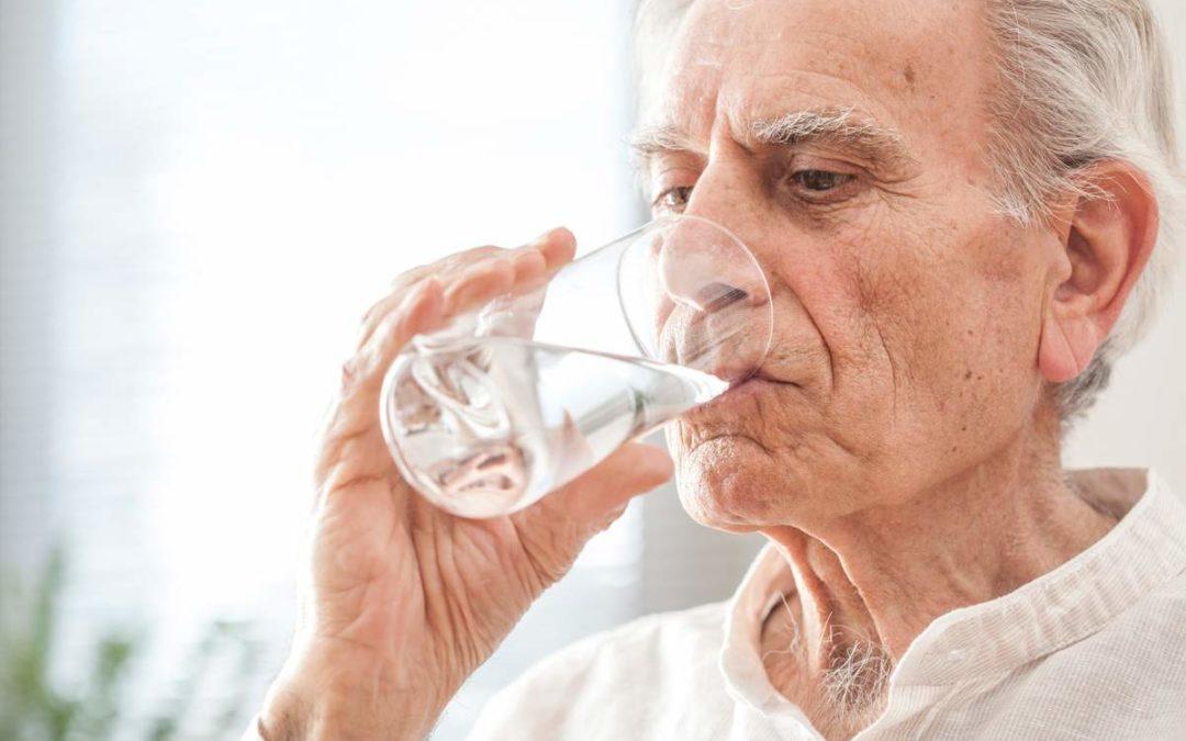 Idosos e a desidratação: saiba como se prevenir