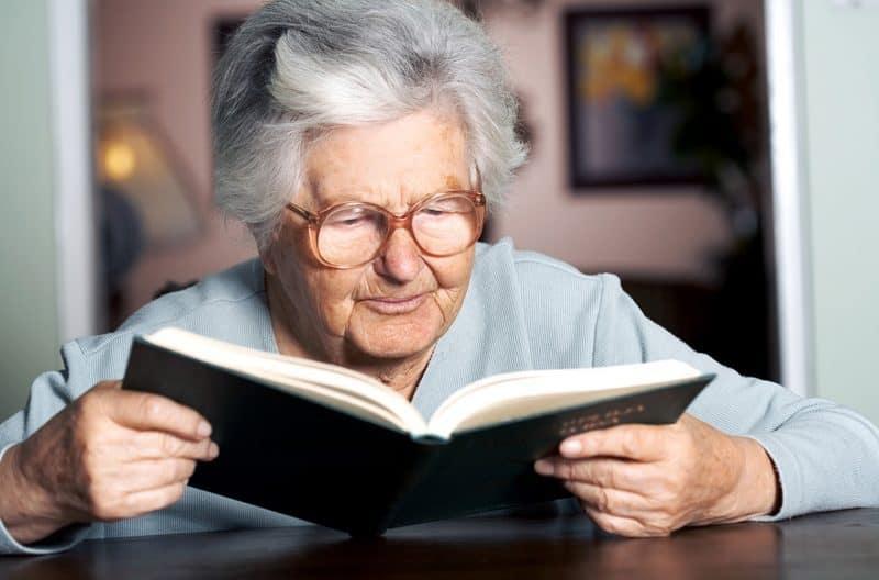 A importância da leitura para idosos